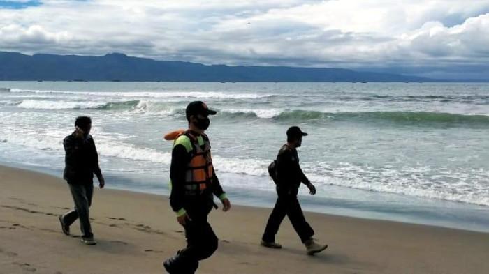 Petugas lakukan pencarian remaja yang hilang tenggelam.