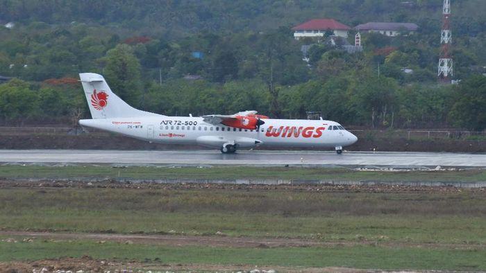 Sejumlah rute penerbangan di Bandara El Tari Kupang, NTT, dibatalkan. Pembatalan sejumlah rute penerbangan itu dilakukan imbas erupsi Gunung Ili Lewotolok.