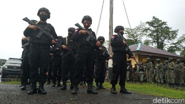 TNI-Polri di Timika disiagakan jelang 1 Desember 2020 (Saiman/detikcom)