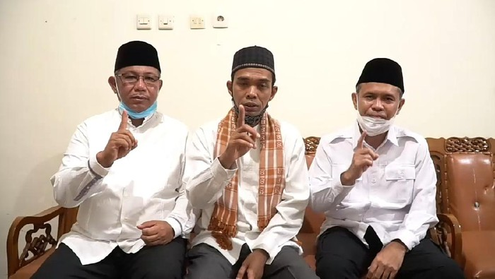 Ustaz Abdul Somad mengkampanyekan Akhyar Nasution dan Salman Alfarisi untuk memenangkan Pilkada Medan (dok Istimewa)