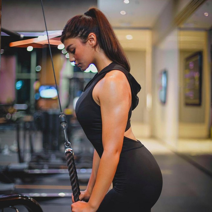 10 Potret Jihane Almira di Gym, Strong Girl!