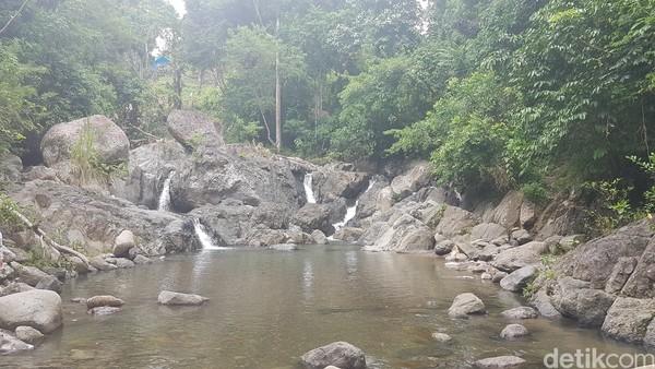 Air terjun Salu Sittamu berada di Dusun Passembarang, Desa Batetangnga, Kecamatan Binuang, Polewali Mandar, Sulbar. (Abdy Febriady/detikcom)