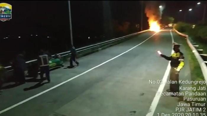 ambulans terbakar