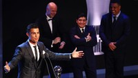 Cristiano Ronaldo Lebih Mirip Maradona, Messi Tak Punya Semangat