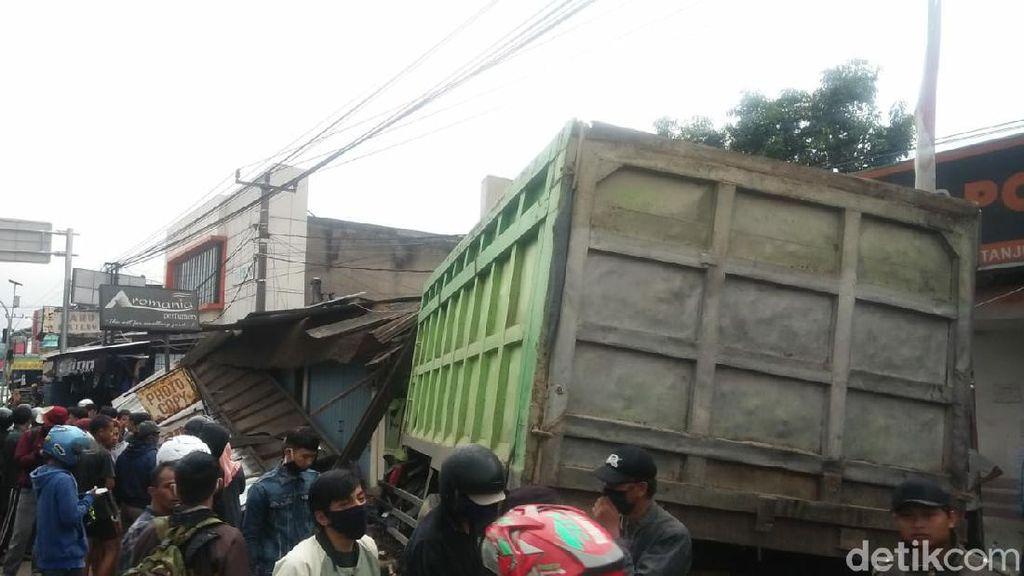 Sopir Truk Maut di Tanjungsari Terancam 12 Tahun Bui