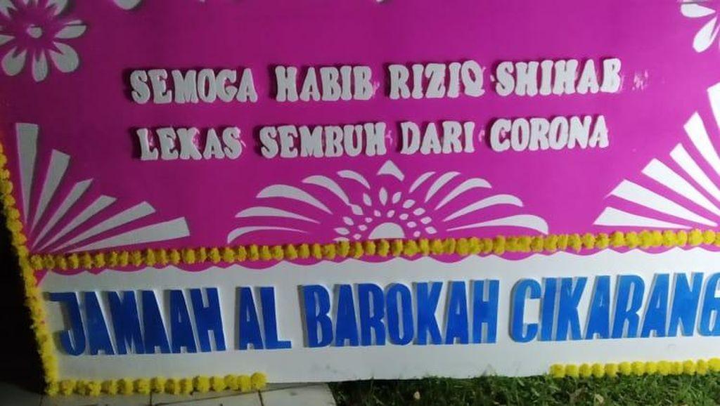 Cerita Ketua RT Soal Karangan Bunga Lekas Sembuh Habib Rizieq: Dipesan Online