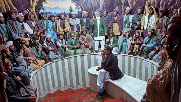 Salah satu pembuat museum ini adalah Abdul Nasir Sawabi. Di saat perang pecah, Sawabi masih anak-anak. Kekejaman perang begitu membekas di memori Sawabi, sehingga dia bisa menggambarkan diorama perang seperti aslinya. (AP)