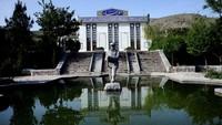Inilah Museum Jihad di kota Herat. Di dalam museum ini, tergambar diorama situasi perang jihad melawan Soviet saat itu. Layaknya sebuah kisah epos pahlawan yang heroik, tentara Mujahiddin Afghanistan-lah yang keluar sebagai pemenang. (AP)