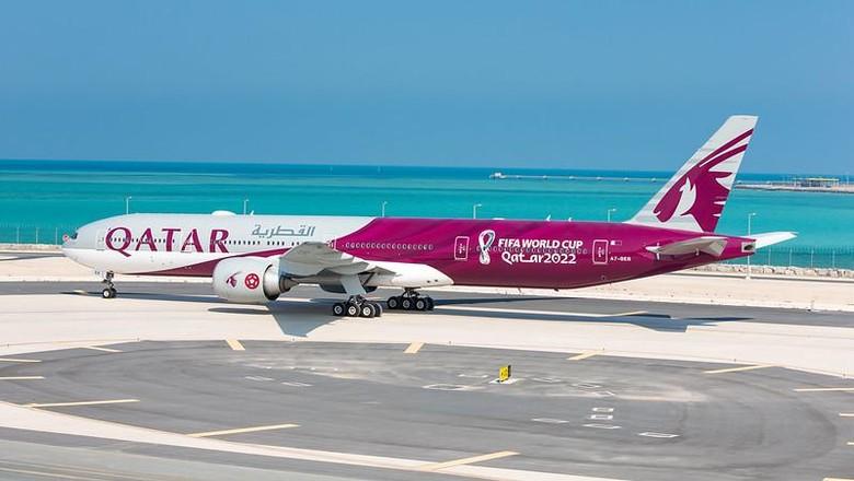 Qatar Airways dengan livery terbaru menyambut Piala Dunia 2022