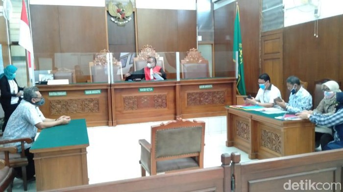 Sidang Praperadilan Kasus Pembelian Lahan Era Ahok