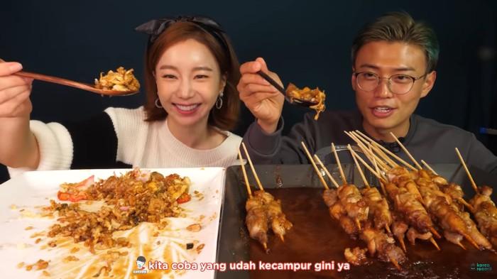 Ssoyoung Mukbang Sate dan Nasi Goreng