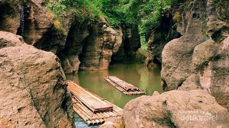 Sungai Cikahuripan