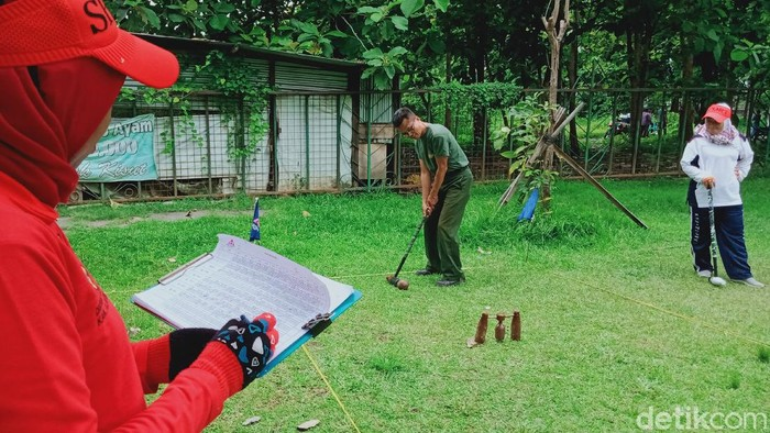 Upaya pembinaan atlet woodball di Kabupaten Klaten ikut terdampak pandemi COVID-19. Jumlah atlet yang mengikuti latihan untuk persiapan kejuaraan sepi.
