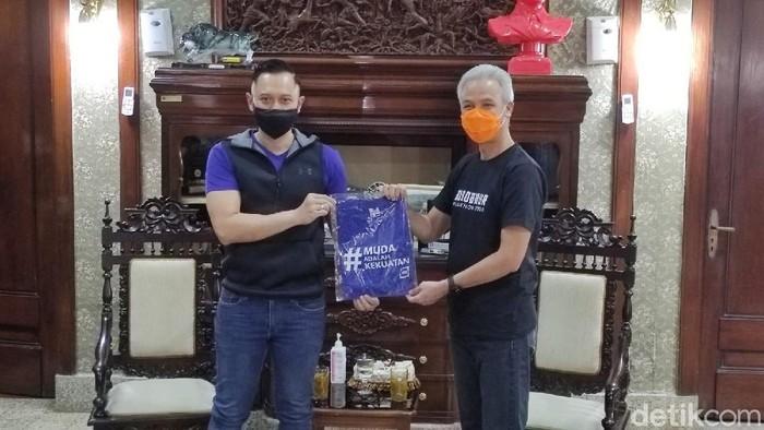 AHY dan Ganjar Pranowo saat bertemu di Semarang, 2/12/2020