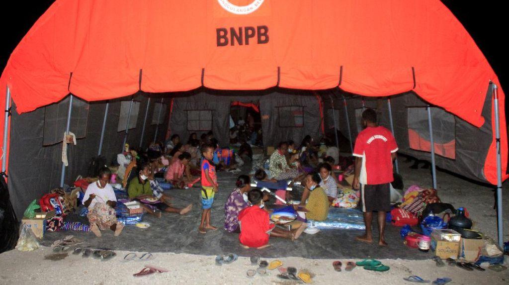 Gunung Ili Lewotolok di NTT Masih Erupsi, Hampir 8 Ribu Orang Mengungsi