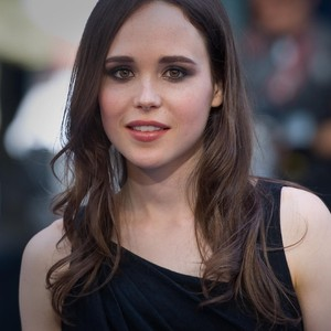 Transformasi Gaya Ellen Page, Aktris Cantik yang Berubah Jadi Transgender