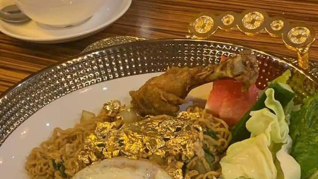 Ada Indomie Tabur Emas 24 Karat, Netizen : Emasnya Bisa Digadai?