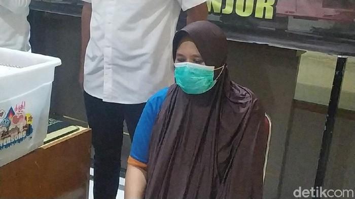 Ini tampang tersangka penipuan berkedok paket kurban di Cianjur