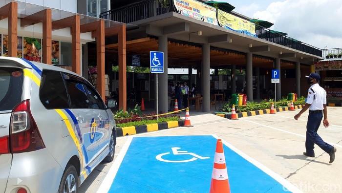 Operator jalan Tol Semarang-Solo menambah satu rest area lagi. Penambahan itu dilakukan sebagai persiapan jelang libur Natal dan Tahun Baru 2021.