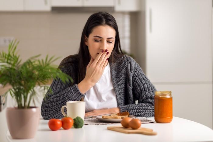 Kenali Tanda-tanda Keracunan Makanan