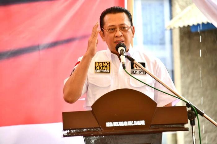 Ketua MPR RI Bambang Soesatyo (Bamsoet) mengungkapkan selama ini sektor pertanian selalu diidentikkan dengan kehidupan desa yang tak jarang dipandang sebelah mata.