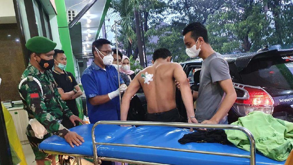 Ricuh Demo di Makassar Tolak Habib Rizieq Bikin Massa Kena Busur Liar