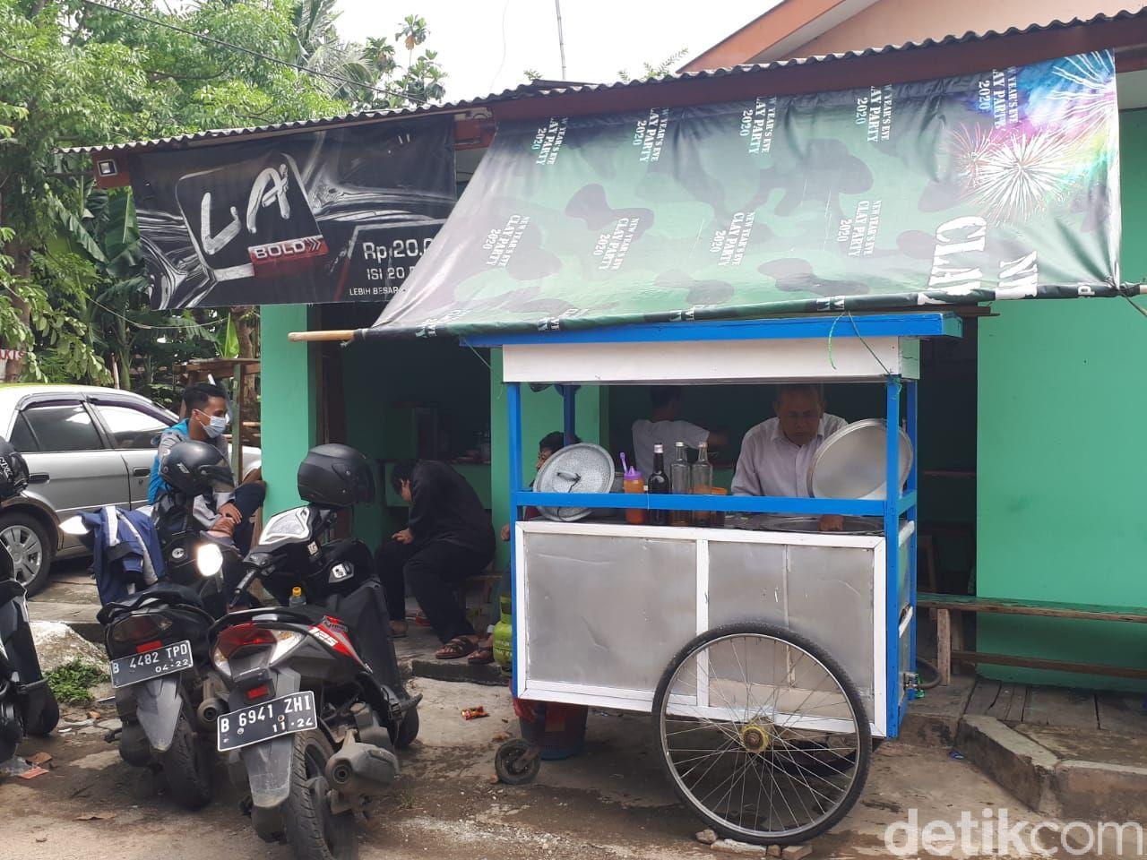 Mie Ayam Mang Oyo: Sensasi Makan Mie Ayam Kuah Rendang Rp 12 Ribu
