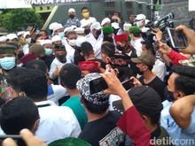 Mengapa Laskar FPI Berkeras Tolak Polisi Masuki Gang Rumah HRS?