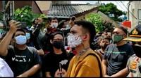 Memanas, Laskar FPI Minta Polisi Tinggalkan Petamburan: Keluar Lu!