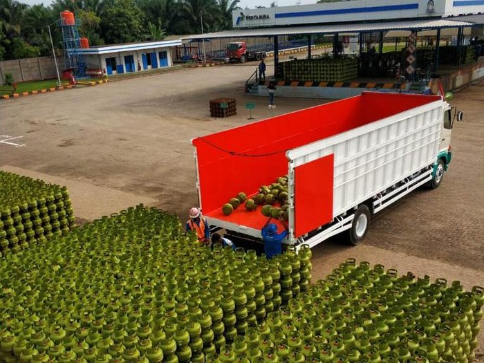 PT Pertamina (Persero) melalui Marketing Operation Region (MOR) II Sumbagsel akan tambah pasokan LPG 3 kg 16% dari alokasi normal dan mengaktifkan 3.576 Pangkalan Siaga di Lampung dan Bengkulu