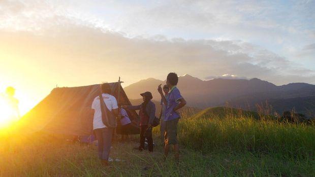 Sunset Bukit Yomokho di Danau Sentani