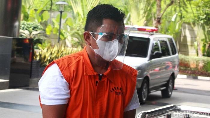 Stafsus Menteri KKP Andreau Pribadi Misanta diperiksa KPK terkait kasus dugaan suap ekspor benur di gedung KPK, Jakarta, Kamis (3/12/2020).