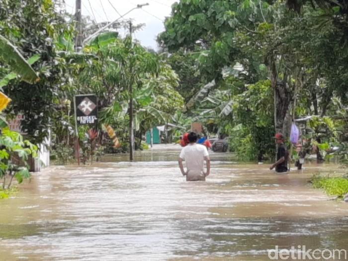 Banjir di Desa Sokawera, Kecamatan Somagede, Kabupaten Banyumas, Kamis (3/12/2020).