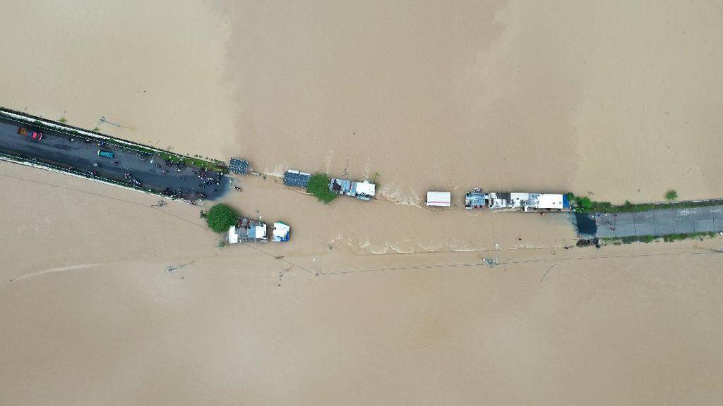 Jalur Penghubung Purbalingga-Banyumas Terendam Banjir