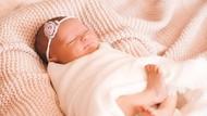 100 Nama Bayi Perempuan Islami Modern 2020