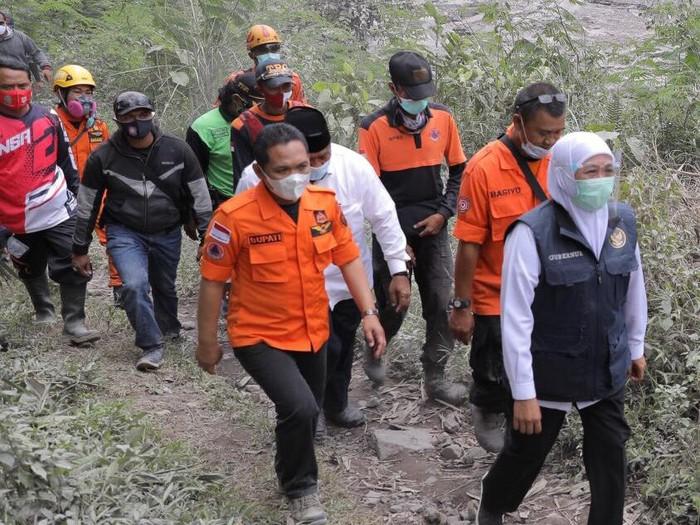 Dampak erupsi Gunung Semeru disikapi secara simultan dan sinergis. Yakni oleh Pemkab Lumajang, Pemprov Jawa Timur hingga Pemerintah Pusat.