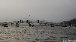 Lagi Hits di Bandung, Namanya Jembatan Bucin, Membelah Sungai Citarum