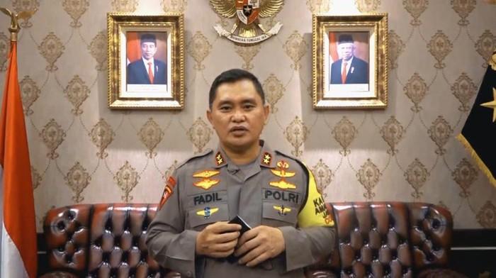 Kapolda Metro Jaya Irjen Fadil Imran umumkan hasil swab test dirinya usai kontak dengan Anies Baswedan