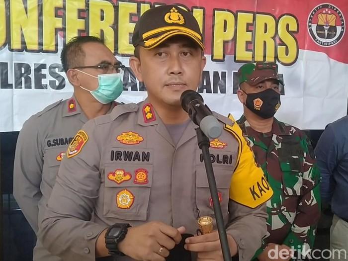 Kapolres Pekalongan Kota, AKBP Moch Irwan Susanto, saat konferensi pers di Mapolres Pekalongan, Kamis (3/12/2020).