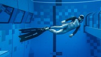 Destinasi baru ini dibangun untuk pelatihan dan praktik bagi penyelam di semua tingkatan. Bukan sebagai pengganti laut, tak ada ikan hingga terumbu karang di sini. (AFP)