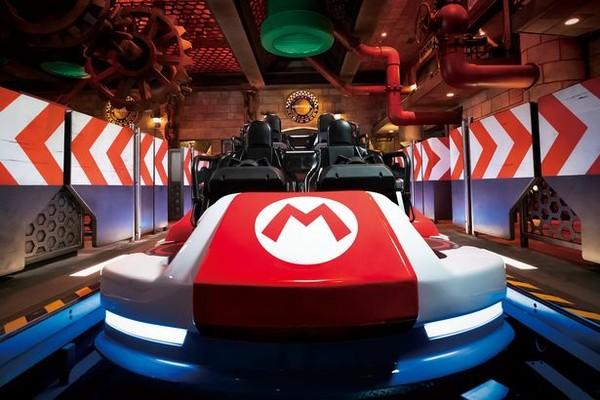 Ada pula perjalanan Mario Kart di daerah rekreasi Browser Castle, musuh Mario.