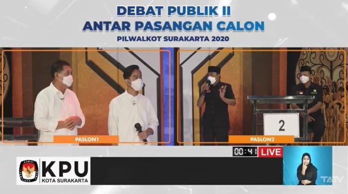 Paslon Gibran-Teguh dan Bajo saat debat pamungkas Pilkada Solo, Kamis (3/12/2020)
