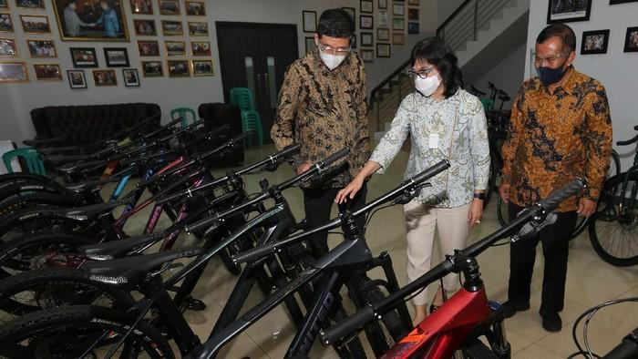 Kementerian Perindustrian mendukung pengembangan dan kemajuan industri dalam negeri, terlebih IKM yang terdampak pandemi