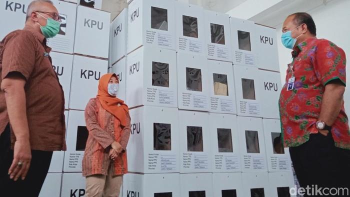 Pjs Bupati Klaten Sujarwanto Dwi Atmoko dan desk Pilkada sidak KPU