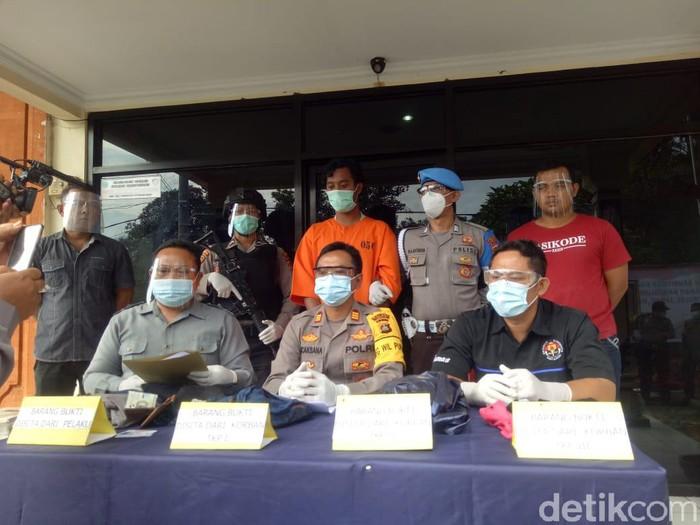 Polisi menangkap pria pelaku pencabulan terhadap 4 wanita muda di Tabanan (dok Polres Tabanan)