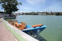 Tempat wisata Situ Rawa Besar yang berlokasi di RW 13 Kelurahan Depok, Kecamatan Pancoran Mas, Kota Depok sekarang memiliki objek baru yaitu perahu wisata. (Humas Pemprov Jawa Barat)