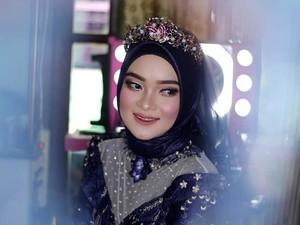 Viral Aksi Siswi SMA Jadi MUA Wedding, Kerja Masih Pakai Seragam Sekolah