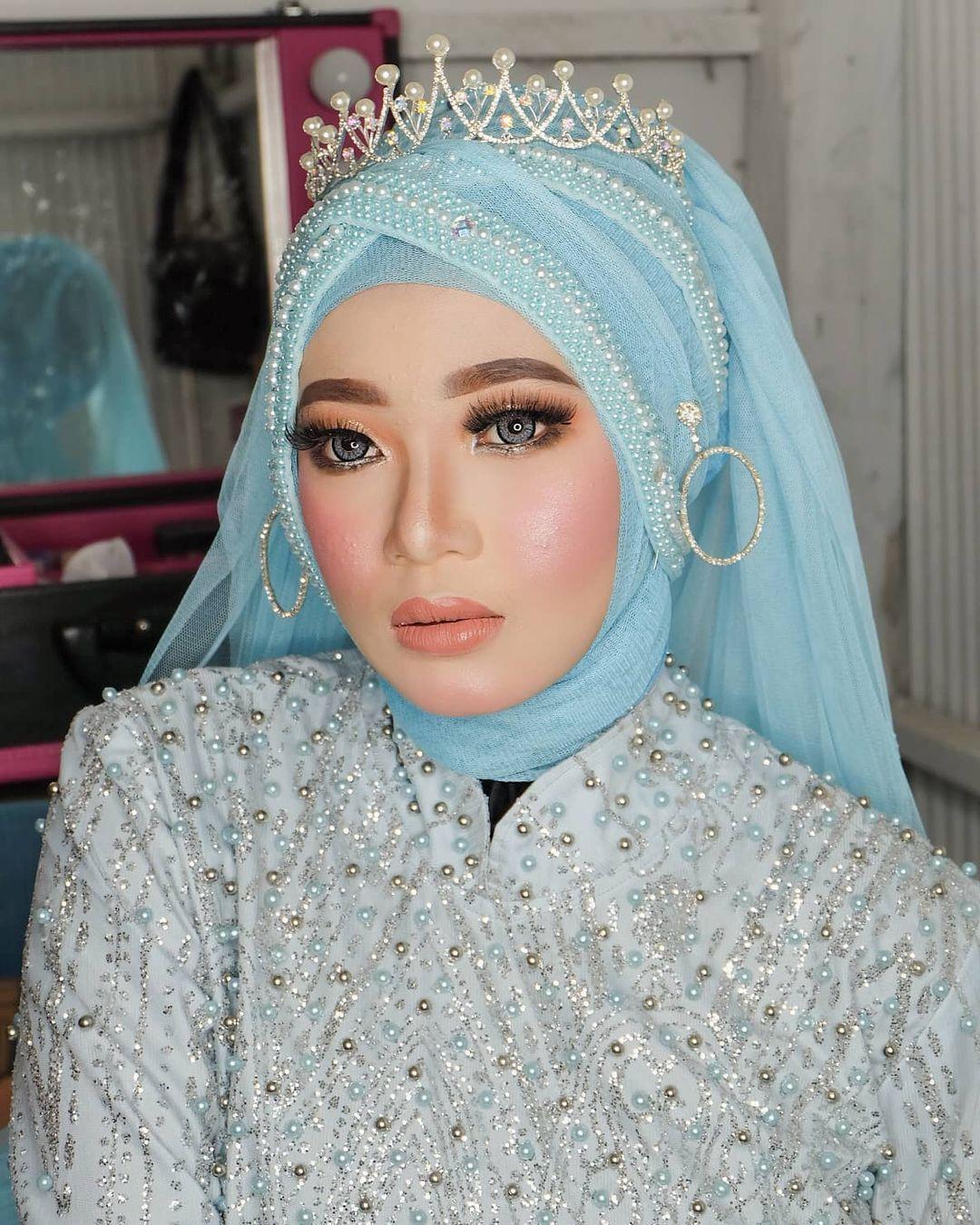 Hasil makeup Imroatul Nur Cahyani, siswi SMA yang sudah jadi MUA