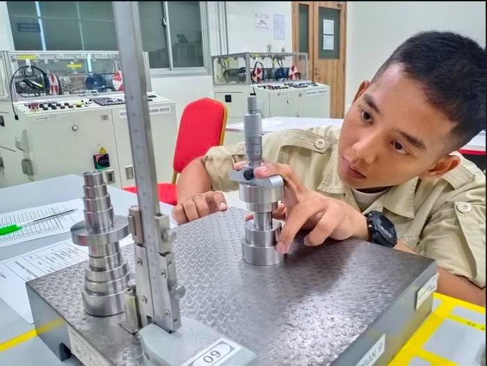 Sejak 2015 Toyota Indonesia Academy (TIA) melahirkan para teknisi terlatih yang siap dilepas langsung ke industri otomotif. Tahun ini TIA kembali melahirkan puluhan wisudawan teknisi terbaik