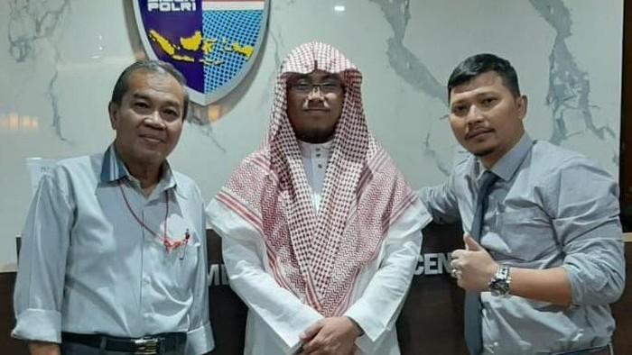 Ustadz Maaher Ditangkap Bareskrim Pelapor Bukti Hukum Ditegakkan
